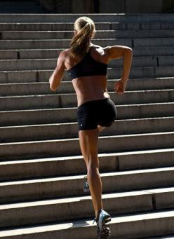 Hello hamstrings! Safe to say running up stadium stairs will probably result in incredibly sexy legs. More running tips on: Life, Inspiration, Stair Climbing, Stairs Workout, Healthy, Fitness Motivation