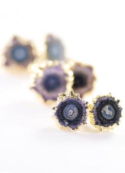 Kakahi earrings gold amethyst stud earrings by www.kealohajewelry.etsy.com maui, hawaii: Studs, Amethysts, Earrings Kakahi, Stud Earrings, Druzy Earrings, Kakahi Earrings, Earrings Gold, Amethyst Stud