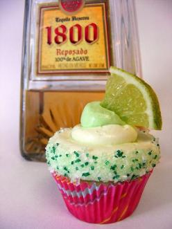 Mini Margarita Cupcakes .... am thinking of substituting some of the margi mix for tequila in the cupcake...: Margarita Cupcakes Yummy, Cincodemayo, Savory Recipes, May 5, Margaritas, Cupcakes Cinco De, Margarita Cupcakes Oh, Margarita Cupcakes Cinco