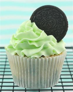 Mint Oreo Cupcakes by Made With Pink, via Flickr: Cupcakes Muffins, Mint Oreo Cupcake, Food, As A Cupcake, Dessert, Oreo Cupcakes