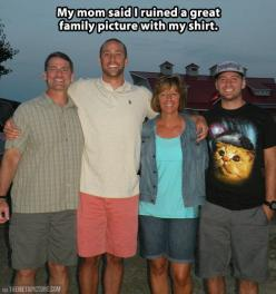 Obviously green plaid paired with green cargo shorts is a terrible idea.: Family Pictures, Shirts, Family Photos, Funny Stuff, Funnies, Families