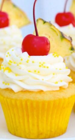 Pineapple Cream Cupcakes - modify with homemade cake and fresh pineapple - great flavor combo: Cupcakes Muffins, Pineapple Cupcake Recipe, Homemade Cupcake, Cream Cupcakes, Cream Cheese, Cupcakes Recipe, Yummy Cupcakes, Pineapple Cream, Homemade Cake