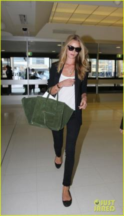 Rosie Huntington-Whiteley: 'Thanks For Having Me, Sydney!': Rosie Huntington Whiteley, Airport Chic, Fashion, Bag, Travel Outfit, Travel Style, Airport Style, Black Blazers