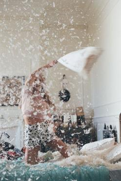 Swandive: Pillowfight, Bucket List, Girl, Life, Pillow Fights, Photo, Pillows