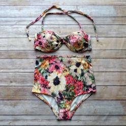 Twist Bandeau Bikini - Vintage Style High Waisted Pin-up Swimwear - Amazing Floral Print - Unique & So Cute!: Style High, Bandeau Bikini, Amazing Floral, Floral Prints, Vintage Style