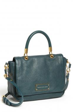 29. This emerald handbag will be the perfect accessory to my date night look! This color will bring out the emerald jewel tones in my statement necklace. #MyDayInStitchFix: Handbags Purses, Clutches Purses Handbags, Emerald Handbag, Awesome Handbags, Marc
