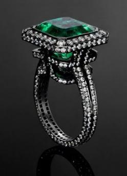 Emerald and diamonds. I love the metal color with the diamonds and the emerald. I do not like this ring though.: Emeralds, Labyrinth Ring, Emerald Labyrinth, Rings, Blackened White, White Gold, Rose Emerald