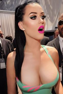 femerel.com a place for style, thoughts and girls. #katy #perry: Latex Blog, Big Eyes, Perfect Katy, Katy Perry, Celeb Ktperry, Pink Lips, Catsuits Girls, Latex Katy