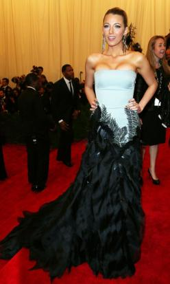 I f'love her!!!! Girl Crush!   Blake Lively In Gucci At The Met Ball, 2013: Blake Lively Dresses, Celebrity Style, Redcarpet, Red Carpet, Met Ball, People, Ball 2013