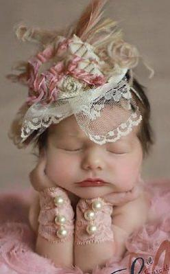 OMG! I just died, that is the cutest picture ever.: Newborn Baby Girl Photo Ideas, Babies, Newborn Baby Girl Pictures, Baby Girl Picture Ideas, Baby Pictures Newborn Girl, Baby Girl Newborn Pictures, Baby Photography Ideas Girl, Baby Girl Pictures Newborn