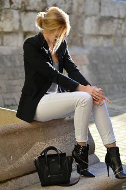 pointy toe black boots...but I like the entire outfit. I have all the pieces, just never put it together.: Outfits, Fashion, Clothes, Street Style, Black White, White Jeans, Black Blazers