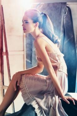 pretty dress and love the ponytail too: Pony Tail, Fashion, Ponytail, Inspiration, Girl, Dresses, Hairstyle, Emily Didonato, Beauty
