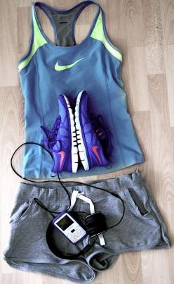 The jogging/walking paths are seeing alot of action in St. Barths & this outfit is cool & HOT !: Nike Workout, Workout Gear, Fitness Gear, Workout Outfits, Daily Motivation, Health, Workout Clothes, Photo
