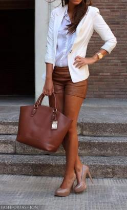 24 beautiful combinations for every occasion: Leather Shorts, Fashion, White Blazers, Summer Outfit, Style, Brown Leather, Bag, Spring Summer, Brown Shorts