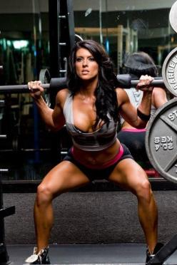8 REASONS WHY WOMEN SHOUD LIFT HEAVIER WEIGHTS  No you'll not bulk up since women have lower testosterone levels.  Great article from Oxygen Magazine.   1) You'll torch body fat2) You'll look more defined3) You'll fight osteoporosis4) You'll burn more cal