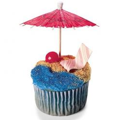 Beach Cupcake: This is fun and really creative. The stick of gum beach chair just gets me! lol.: Beaches, Birthday, Sweet, Food, Beach Party, Cupcake Idea, Party Ideas, Dessert, Beach Cupcakes