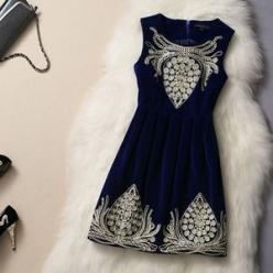 Blue Velvet Dress with Embroidery Pattern #172 // Whitelily: Dress Vintage, Embroidery Pattern, Velvet Dresses, Style, Vintage Dresses, Blue Velvet Dress