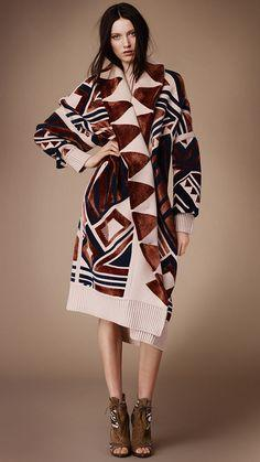 Burberry Prorsum Womenswear Autumn/Winter 2014 show | Burberry