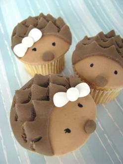 cupcake hedgehogs- these are so AWESOME!  Jaden has been talking about making Sonic the Hedgehog cookies at Christmas time- might need to surprise him with these! :): Cupcakes Cake, Cup Cakes, Fun Recipes, Hedgehog Desserts, Sweet, Food, Hegehogette Cupca