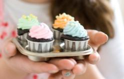 Cupcakes baked in ketchup cups!!! I love this! Bake on flat baking sheet too as the cups are strong enough and don't need a muffin tin! :D: Foodie, Cupcakes Baked, Cups Site, Ag Doll, Cupcakes Bakes, Ketchup Cups, Dessert