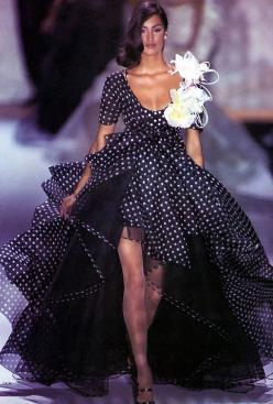 Dior- Yasmeen I LOVE this style dress...but if it was all white with a sweet heart neck line it would be my wedding dress...: Fashion, Polka Dots, Style, Polka Dot Wedding Dress, Dresses, Black White, Yasmeen Ghauri, Polkadots, Polka Dot Dress