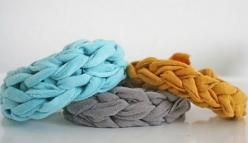 easy bracelets #DIY: Bracelets, Jersey Knits, Diy Bracelet, Tshirt, T Shirts, Jersey Knit Bracelet, Craft Ideas, Crafts