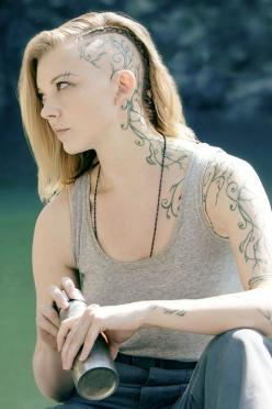 Google Image Result for http://www.jabberjays.net/wp-content/uploads/2014/11/tumblr_ndfhedLoSn1s6bxzqo1_500.png: Natalie Dormer, Cressida, Tattoos, Mockingjay, Hunger Games, Hungergames, Vine Tattoo, Hair, Fandom