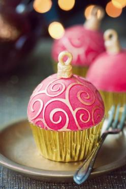 holiday cupcake decorating inspiration or just leave the top part off for the hook and would be pretty any time!: Bauble Cupcake, Christmas Cakes, Holiday Cupcakes, Cup Cake, Christmas Cupcakes, Christmas Ornament, Ornaments, Ornament Cupcakes