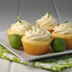 Key Lime Cupcakes. Please click on the photo in Yumgoggle to get to this delicious recipe. Enjoy!: Recipe, Sweet, Keys, Food, Cup Cake, Limes, Keylime, Key Lime Cupcakes, Dessert