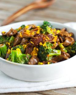 Light Orange Beef and Broccoli - Lacked flavor. I added some ginger and cashews (slivered almonds would work well too), but still not a hit with my family.: Lights, Tasty Recipe, Fun Recipes, Food, Broccoli Recipes, Orange Beef, Light Orange, Broccoli Bee
