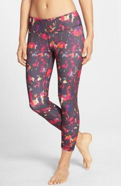 Perfect Leggings - now I want them all! Zella 'Live In - Inspire' Slim Fit Capris | color: Black Terra available at #Nordstrom or Nordstrom Public Wish list: Capri Leggings, Zella Live, 2015 Nordstrom, Fit Capris, Red Leggings, Fitness Gear, Worko