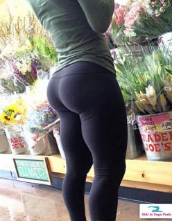 pinterest: @xpiink ♚: Sexy Squat, Big Butt, Fitness, Fit Curve, Dat Ass, Booty Goal, Yoga Pants, Big Ass