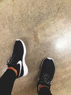 Super Cheap!est, Sports shoes outlet ,Press picture link get it immediately! 1 days Limited!!Get it immediately!: Roshe Run, Nike Roshe Women, Nike Women, Nikes, Nike Shoes, Nike Free Run, Black Nike Roshe