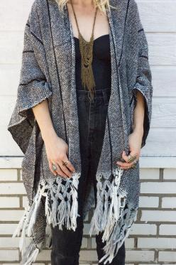 Very simple weaving plan (double width weaving and double cloth) to create an elegant open sweater. HandCrafted In Virginia: Kimono, Sweater, Fashion, Poncho, Style, Clothing, Shawl, Dress, Outfit