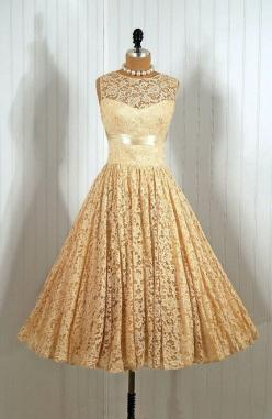 ~1950's Vintage Lace Dress~ I repeat, the 50's had some of the best dresses :): Style, Vintage Dresses, Vintage Lace, Vintage Fashion, Wedding Dress, 1950 S, Lace Dresses