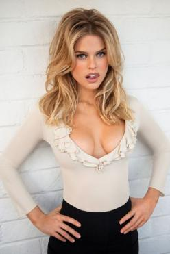 ALICE EVE GORGEOUS - See best of PHOTOS of the actress http://www.wildsound.ca/aliceeve.html: Girls, Sexy, Blonde, Beautiful Women, Hot, Beauty, Alice Eve, Hair