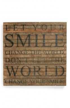 Let your smile change the world. Don't let the world change your smile.: Hand, Apt Ideas, Change The Worlds, Bible Quotes Inspiration, Smile Change, Awesome Quotes, Quotes Stories Inspiration, Quotes Thoughts Inspiration, Inspirational Quotes