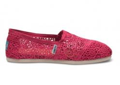 PINK ones?!  I seriously have a toms problem.  Now if only there were toms with bows.  I would die.: Style, Crochet Toms, Tom Shoes, Toms Crochet, Toms Shoes, Crochet Woman