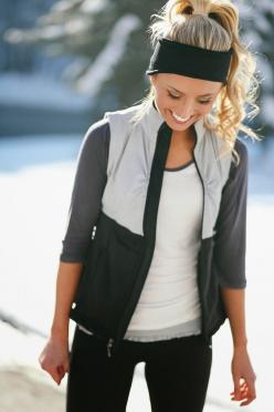 Really like the outfit for a cool spring or autumn workout: Fall Running Outfit, Fall Workout Outfit, Cute Running Outfit, Fall Hiking Outfit, Athletic Outfit, Cute Workout Outfit, Cute Sporty Outfit, Cute Hiking Outfit, Winter Workout Outfit