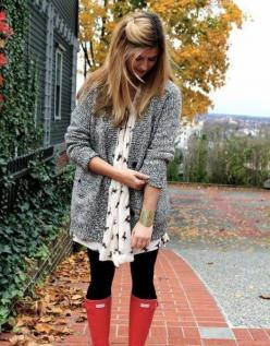 Red Hunter boots: Hunter Boots, Red Boots, Style, Outfit, Red Hunter, Fall Fashion, Fall Winter, Rainy Days
