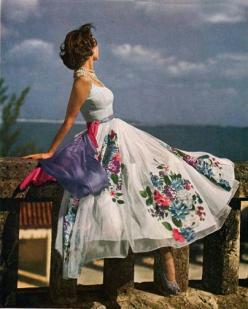 Vintage 1940s fashion from Vogue. Photographer unknown.: 1940 S, Summer Dress, 1940S Fashion, Vintage Dresses, Vintage Fashion, 1940Sfashion, 1950, Vintage 1940S, Vintage Style