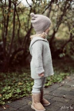 #BootsUggHub  #girl uggs   Me chifla, me chifla y me chifla...os imagináis madre e hija igual vestidas?: Kids Outfits Girls, Baby Girl Fall Outfits, Kids Fashion, Outfits For Kids Girls, Winter Baby Girl Outfit, Girl Uggs, Boot Ugg Hub, Baby Winter Outfit