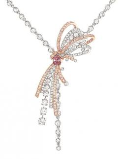 Chanel Couture necklace from the 1932 collection inspired by Gabrielle Chanels original designs for diamond jewels.: Chanel Couture, Original Designs, Gabrielle Chanel, Diamond Jewels, Coco Chanel Jewelry, Diamond Necklaces, Diamonds Jewels Treasures