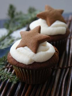double gingerbread cupcakes: Holiday, Double Gingerbread, Idea, Recipe, Sweet, Gingerbread Cupcakes, Food, Christmas Cupcake, Star