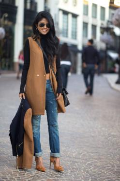Love the vest 20 Perfect Winter Outfits: Jacket, Women S, Fashion, Camel, Street Style, Outfit, Ray Ban, Fall Winter