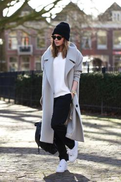 Sneaker #StreetStyle.: Fashion, Street Style, Outfit, Street Styles, Fall Winter, Winter Coats, Christmas Gift