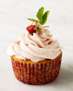 Strawberry Cupcakes Recipe -- Top these delightful strawberry cupcakes with Strawberry Meringue Buttercream and tiny wild strawberries.: Sweet, Cupcake Recipes, Food, Strawberries, Strawberry Cupcakes, Dessert, Strawberrycupcakes, Meringue Buttercream