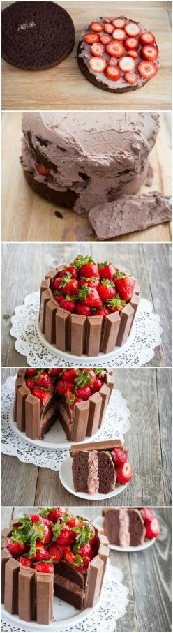 Strawberry Kit Kat Cake: Kit Kat Cakes, Sweet, Kitkat Cake, Food, Birthday Cake, Dessert, Strawberry Cake
