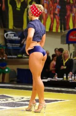 Useful blog with lots of fitness motivation: Girls, Sexy, Alyssa Loughran, Pinup, Fitness Motivation, Pin Up, Rosie The Riveter