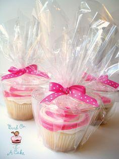 BRILLIANT idea! clear short drink cups for packaging cupcakes